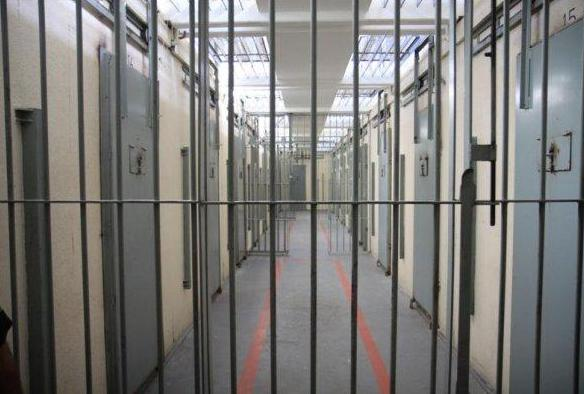 Detentos serram cela e fogem de presídio em Joinville - Sulinfoco