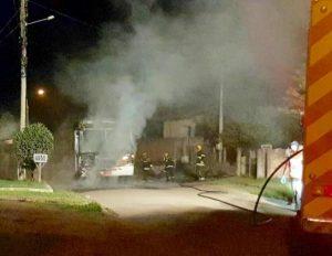 Jovem de 20 anos é acusado de ter ateado fogo contra ônibus, em Criciúma