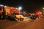 Acidente entre carros Avenida Universitária Foto Suelen Bongiolo