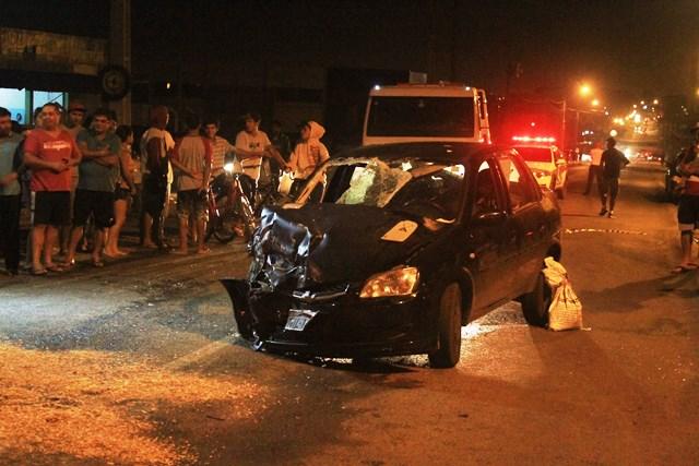 Acidente-entre-carros-Avenida-Universitária_Suelen-Bongiolo-11