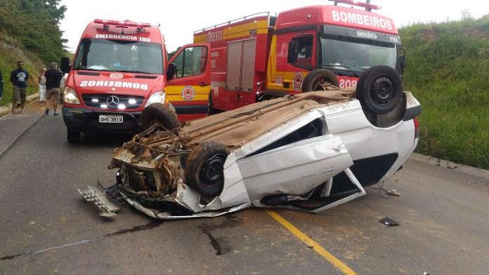 Capotamento deixa duas mulheres feridas na SC-390, em São Joaquim
