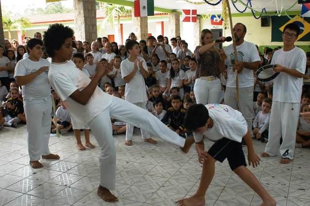 Cultura local é apresentada a intercambistas na Escola Visconde de Taunay, em Lauro Müller10