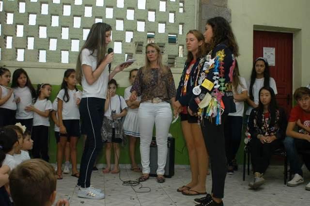 Cultura local é apresentada a intercambistas na Escola Visconde de Taunay, em Lauro Müller13
