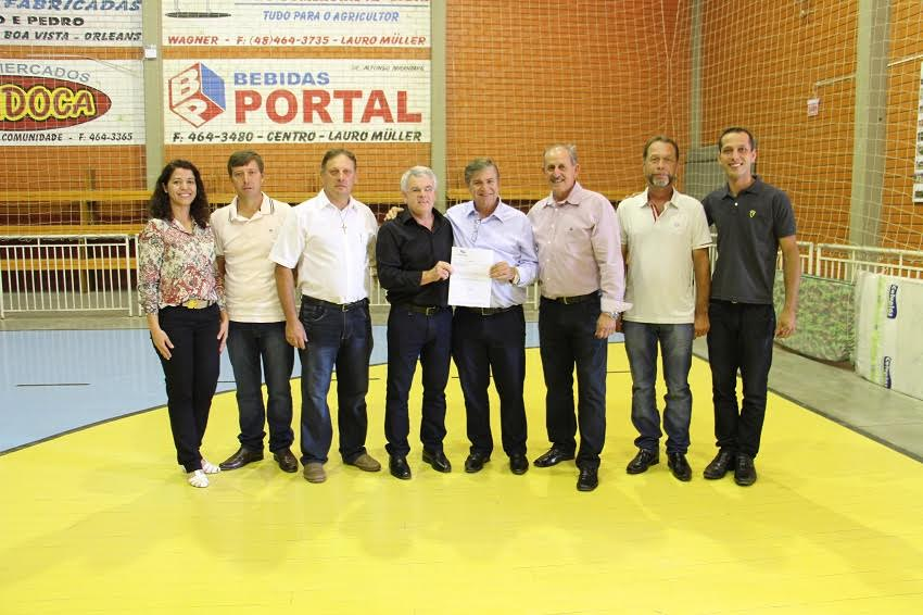 Entregue ordem de serviço para pavimentação na comunidade de Rio Capivaras Alto