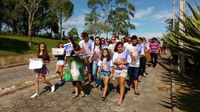 Família faz manifestação e pede justiça em frente ao HRA