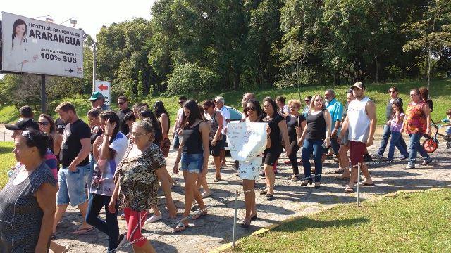 Família faz manifestação e pede justiça em frente ao HRA4