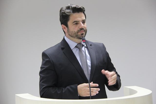 Lucas Canever Librelato (PSDB):