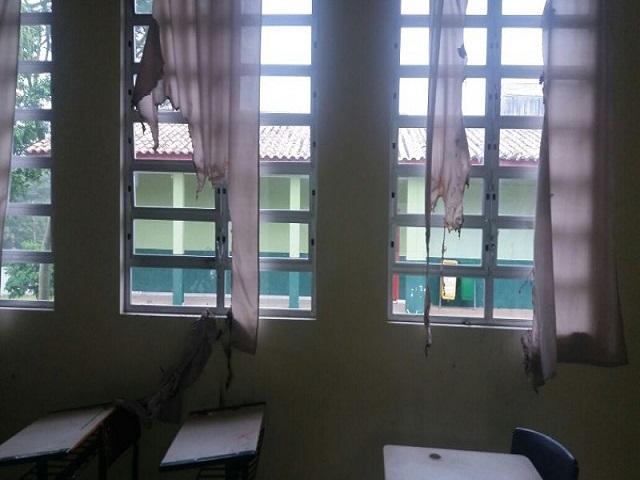 Pela segunda vez neste ano, escola de Criciúma é alvo de vandalismo