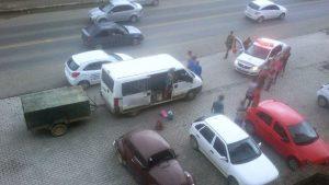 Polícia Militar encontra droga em van ocupada por 12 pessoas, em Orleans