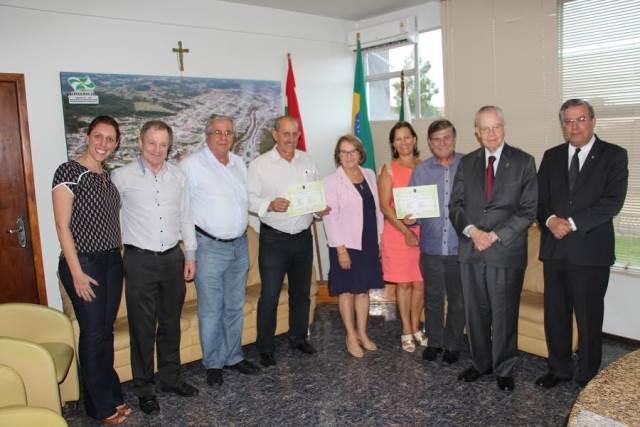 Prefeito Valdir Fontanella recebe visita do Príncipe Dom Bertrand de Orléans e Bragança4