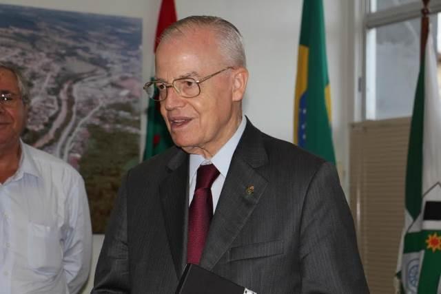 Prefeito Valdir Fontanella recebe visita do Príncipe Dom Bertrand de Orléans e Bragança5