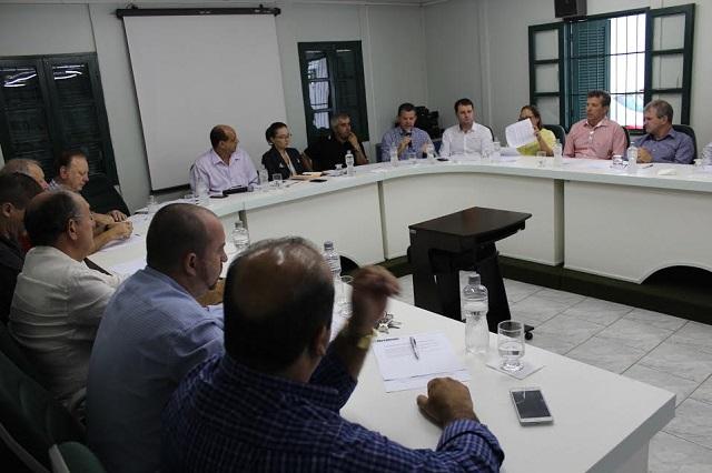 Prefeitos da Amesc discutem a possibilidade de gestão do São Marcos de Nova Veneza