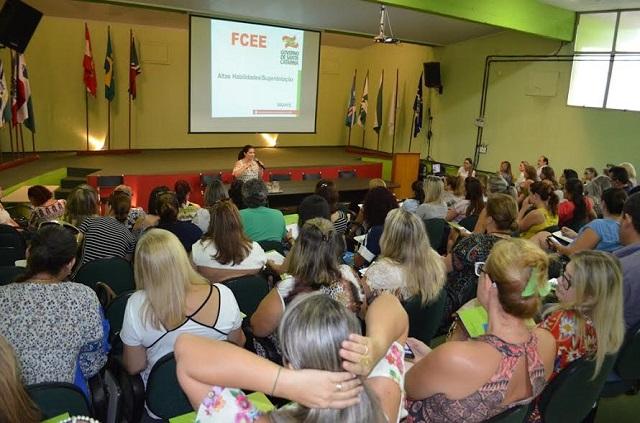 Projeto para desenvolver alunos com altas habilidades e superdotação será implantado em Criciúma