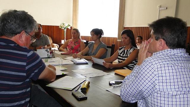 Representantes da Prefeitura de Orleans e da Agência de Desenvolvimento Regional participam de reunião