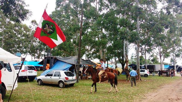 Rodeio do Caverá atrai bom público, em Araranguá5