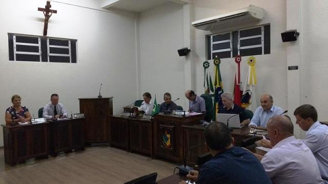 Sessão extraordinária da Câmara de Vereadores de Lauro Müller