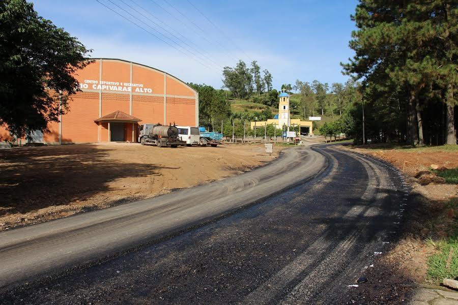 Comunidade de Rio Capivaras Alto recebe capa asfáltica em Lauro Müller13