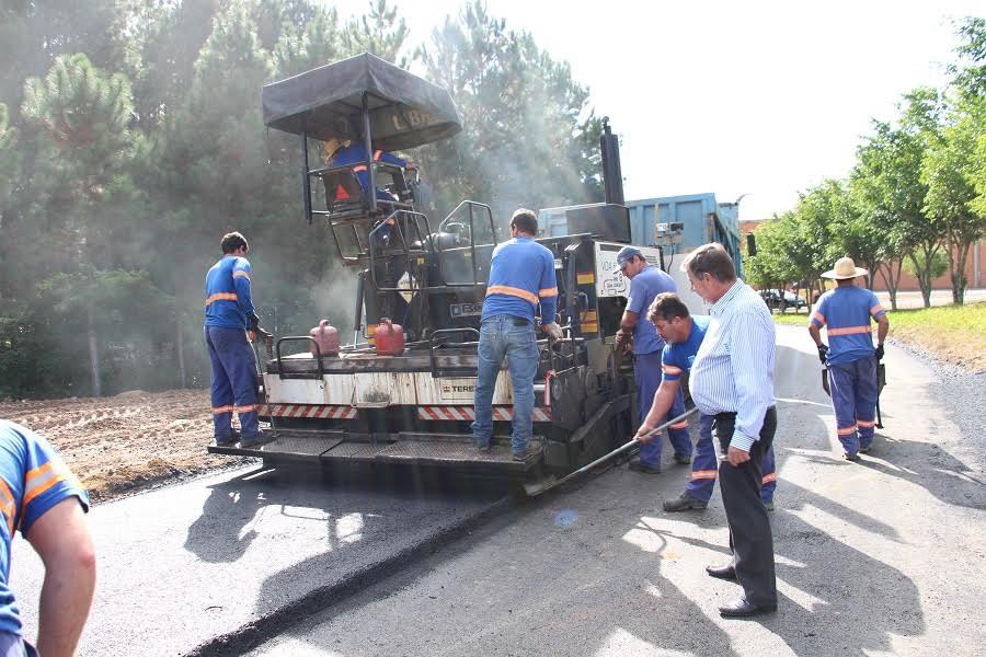 Comunidade de Rio Capivaras Alto recebe capa asfáltica em Lauro Müller9