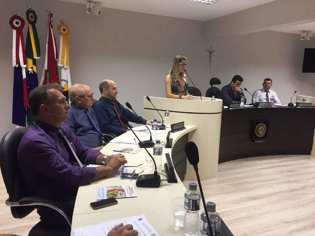 Mirele Cruz Debiasi Perico (PSDB)