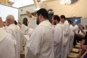 Santos Óleos são abençoados em missa solene na Catedral19