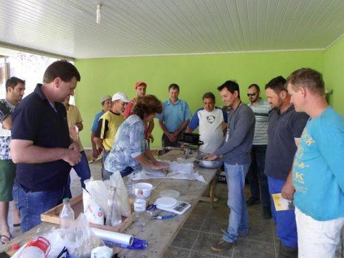 Apicultores de Orleans participam de oficina sobre manejo de colmeias para o inverno3
