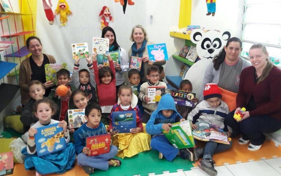 Biblioteca Itinerante chega aos Centros de Educação Infantil de Lauro Müller