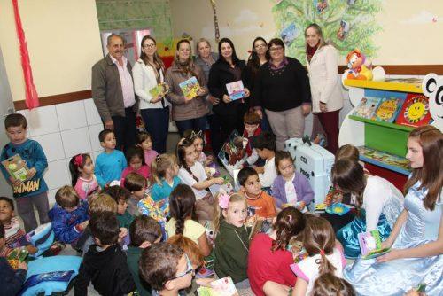 Biblioteca Itinerante chega aos Centros de Educação Infantil de Lauro Müller3
