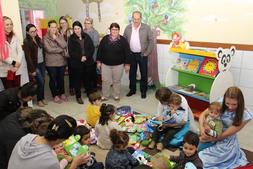 Biblioteca Itinerante chega aos Centros de Educação Infantil de Lauro Müller4