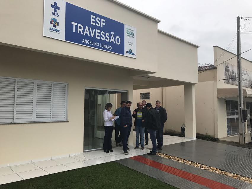 Prefeito de Braço do Norte vistoria obras do novo ESF do Travessão