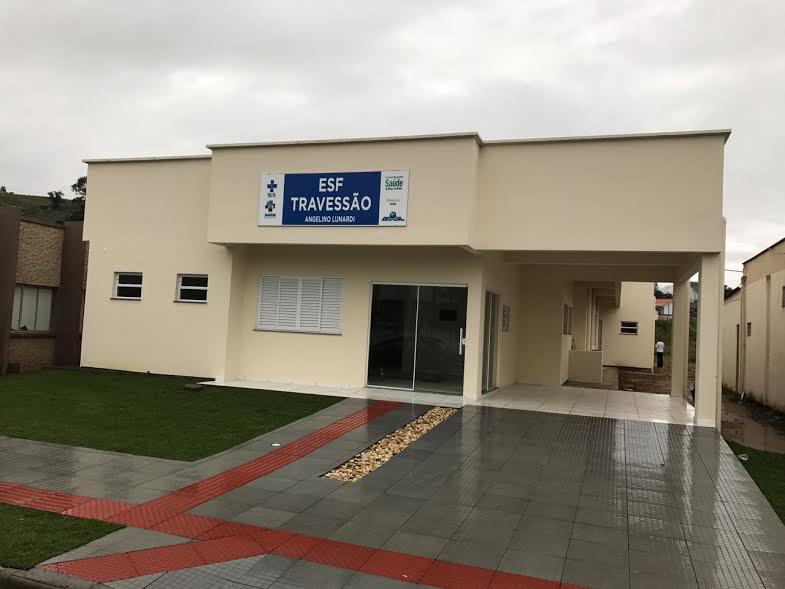 Prefeito de Braço do Norte vistoria obras do novo ESF do Travessão2