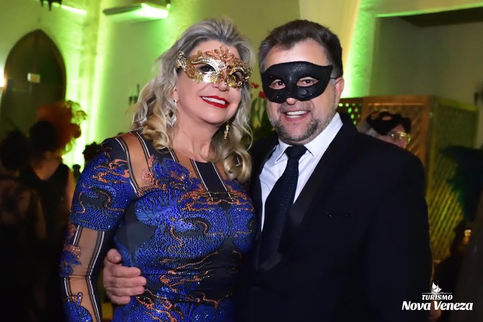 Baile de Gala encanta turistas, em Nova Veneza2
