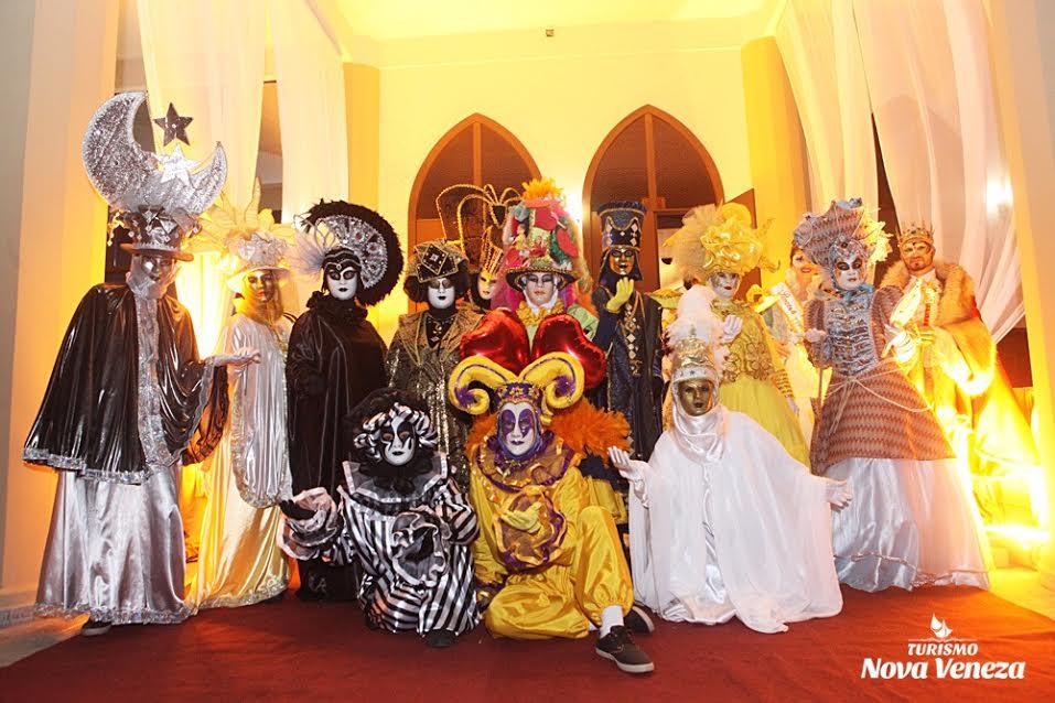 Baile de Gala encanta turistas, em Nova Veneza4