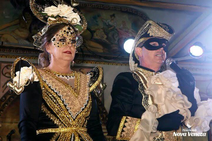 Baile de Gala encanta turistas, em Nova Veneza7