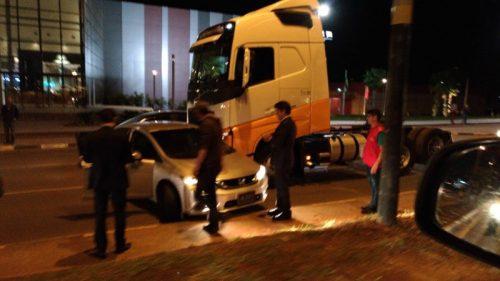 Carro do prefeito Clésio Salvaro se envolve em acidente