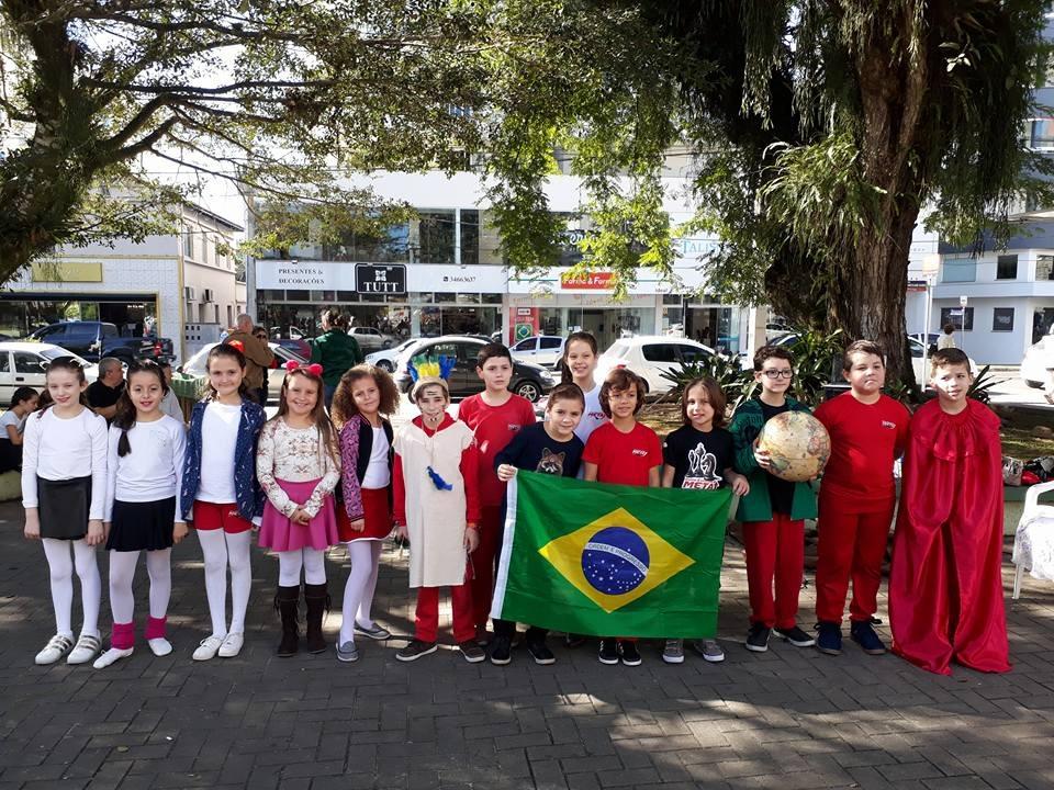 Centro Educacional Meta promove Sábado Literário na Praça Celso Ramos, em Orleans9