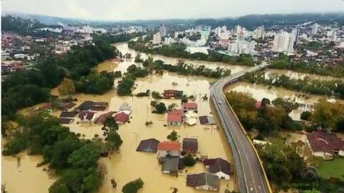 Chuva dá trégua, mas situação segue crítica em Rio do Sul