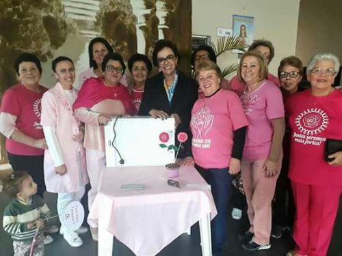 Deputada Dirce Heiderscheidt realiza entrega de Negatoscópio à Rede Feminina de Lauro Müller