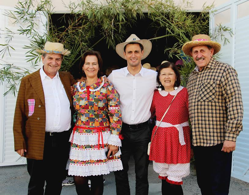 Festa Junina da Terceira Idade reúne idosos do município em Lauro Müller