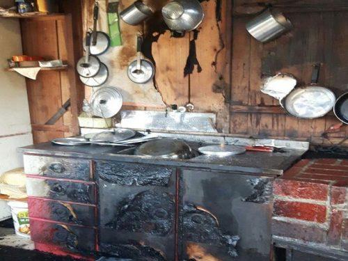 Idosa sofre queimaduras em 90% do corpo durante princípio de incêndio, em Tubarão