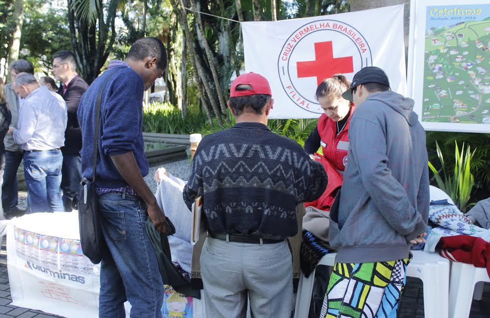 População em situação de rua é atendida na Praça Nereu Ramos, em Criciúma4