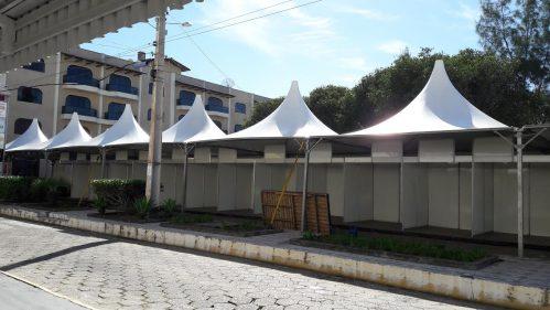 Praça Central de Arroio do Silva começa a receber estrutura da Festa do Peixe