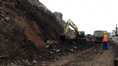Prefeitos do Vale do Araranguá protestam contra obras paradas