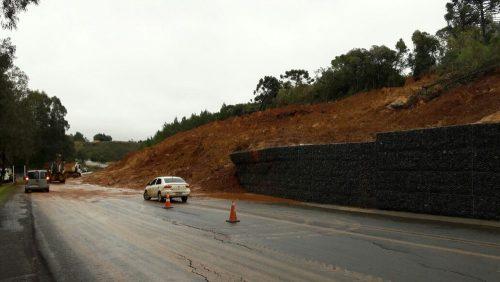 SC tem rodovias interditadas por causa da chuva nesta terça-feira