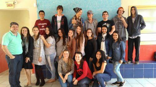 Satc e Escola Vittório Búrigo qualificam jovens em Estação Cocal