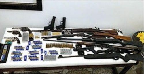 Homem é preso em flagrante com grande armamento e munições, em Criciúma
