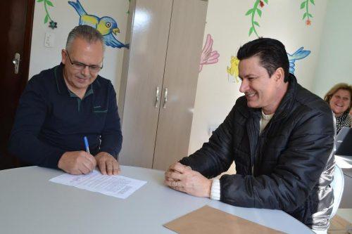 Siecesc renova parceria com a Casa Guido no projeto Carvão Amigo