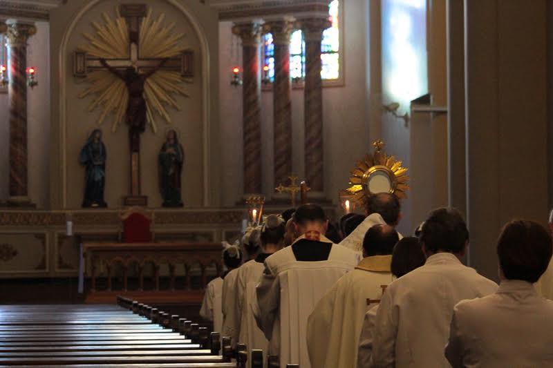 Solenidade de Corpus Christi reúne milhares no centro de Criciúma9