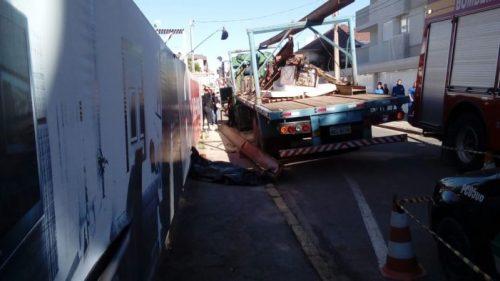 Viga metálica cai e mata operário em Tubarão