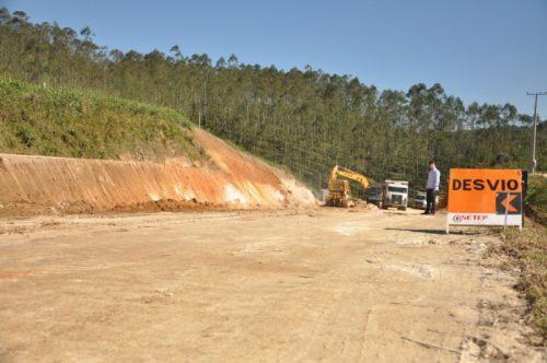 Deinfra e Exército negociam parceria para obras na SC-370, na Serra do Corvo Branco