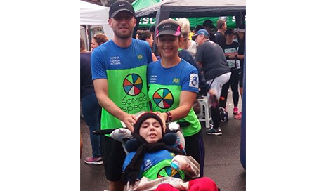 Morre Caio, menino que participava de corridas em triciclo
